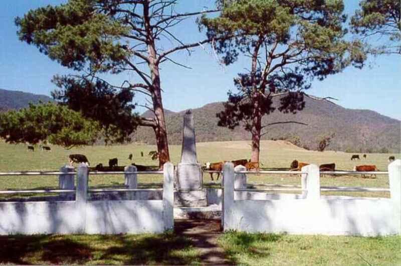 War memorial, Araluen