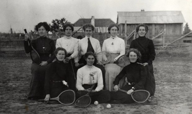 Early tennis players