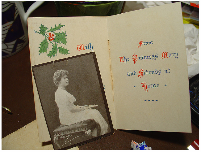 The Christmas card sent by Princess Mary with the gift box.