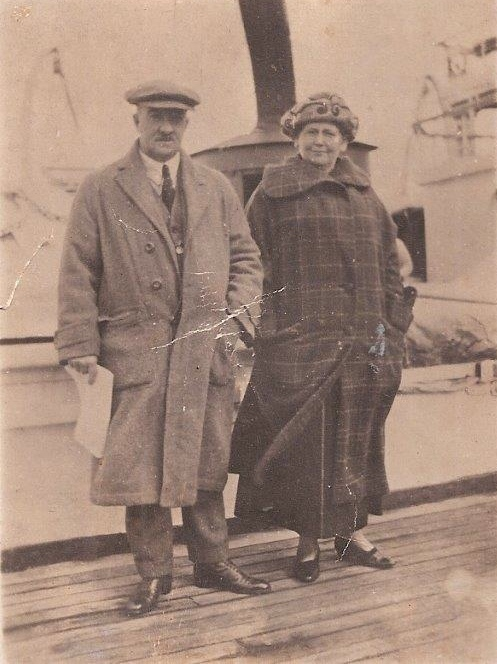 Mr George F and Coroline E  James of 55 Campbell Street Moruya met Sir and Lady Taylor at Batemen's Bay